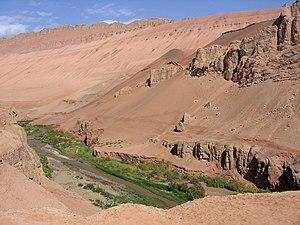 Bezeklik Caves - Image: Turpan bezeklik desierto d 03
