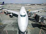 United Airlines 747-422 N174UA looking down at gate 100 at SFO.jpg