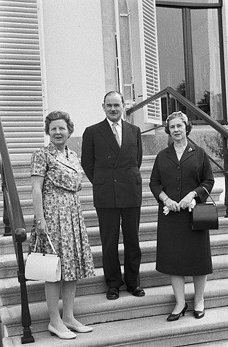Paul Hasluck - Paul and Alexandra Hasluck with Queen Juliana of the Netherlands (right)