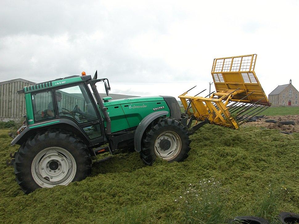 Valtra tractor