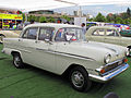 Vauxhall Victor Deluxe 1958 (15867076169).jpg