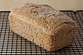 Vegan no-knead whole wheat bread loaf, September 2010.jpg