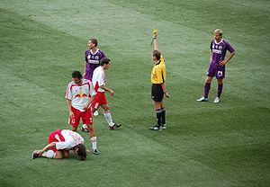 Reglas del f tbol wikipedia la enciclopedia libre for Regla de fuera de juego en futbol