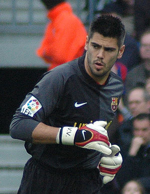 Víctor Valdés - Valdés playing for Barcelona during a match against Mallorca in 2007
