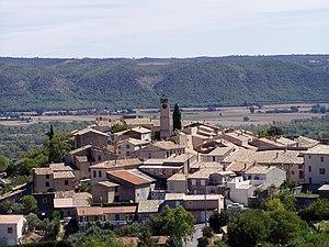 Villeneuve, Alpes-de-Haute-Provence - The church and surrounding buildings in Villeneuve