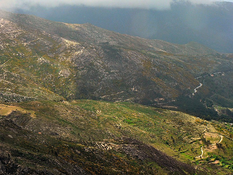 Image:Vista da Serra da Estrela 1.JPG
