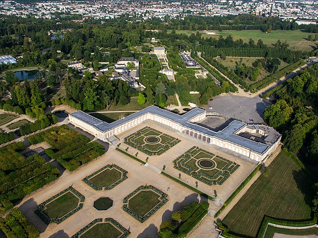 Versailles, nutid