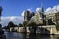 Vue sur la Cathédrale Notre-Dame de Paris, depuis le Quai de la Tournelle.jpg