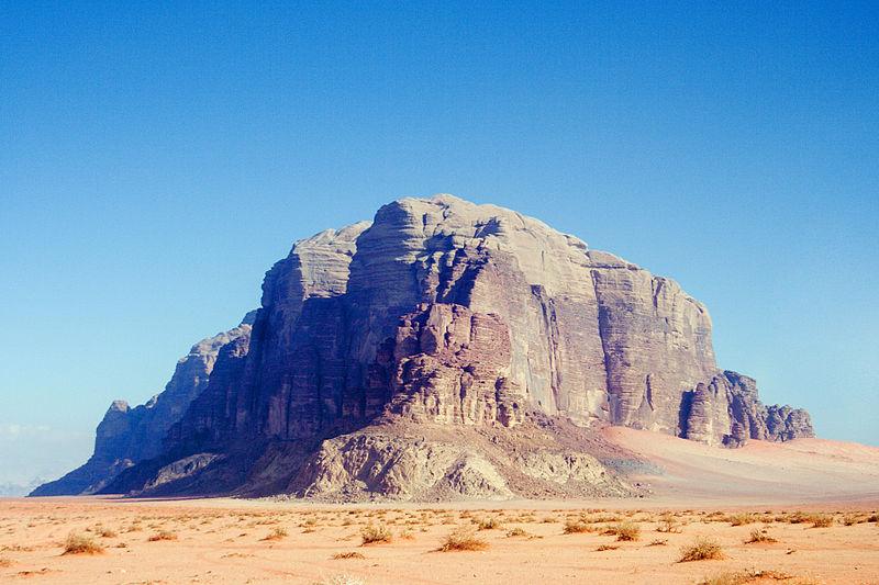 رحلة الى المملكة الأردنية الهاشمية 800px-Wadi_Rum_Monument.jpg