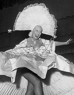 Wanda Osiris 1952.jpg