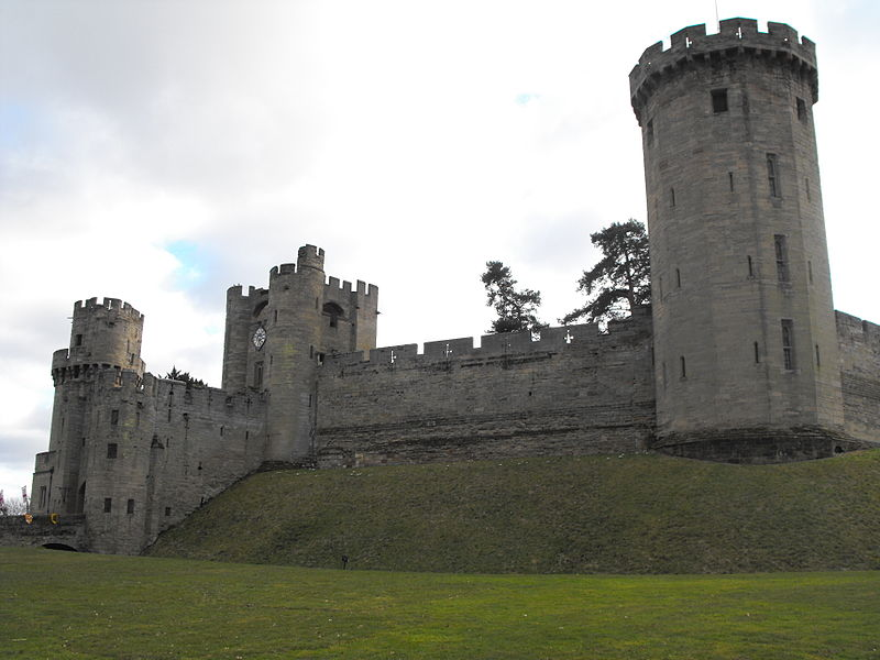 Warwick Castle main entrance, 2010