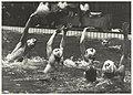 Waterpolo in het Sportfondsenbad tussen de Haarlemse ploegen Njord en DWT. Koen Sohl, topscorer van Njord (links) waagt een schot. NL-HlmNHA 54011501.JPG