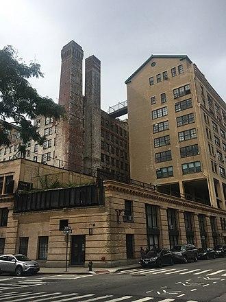 Bell Laboratories Building (Manhattan) - Image: Westbeth Complex vc