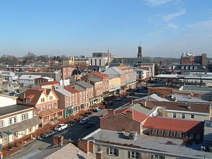 English: Town center of West Chester. View loo...