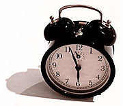 180px-Windup_alarm_clock.jpg