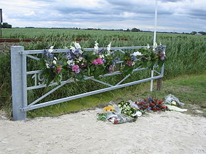 Winsum train collision - Commemorative gate near the site of the disaster, a day after the remembrance ceremony in 2005