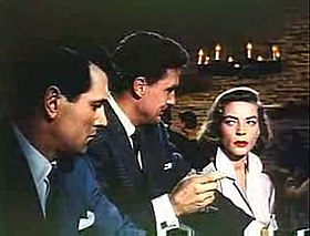 Rock Hudson, Robert Stack e Lauren Bacall in una scena del film