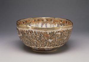 Satsuma ware - Bowl with a multitude of women, Meiji era, c. 1904, Kinkōzan workshop, by Yabu Meizan