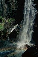 Yosemite Fall 1.jpg