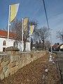 Zászlók, Templom utca, 2019 Pesthidegkút-Ófalu.jpg