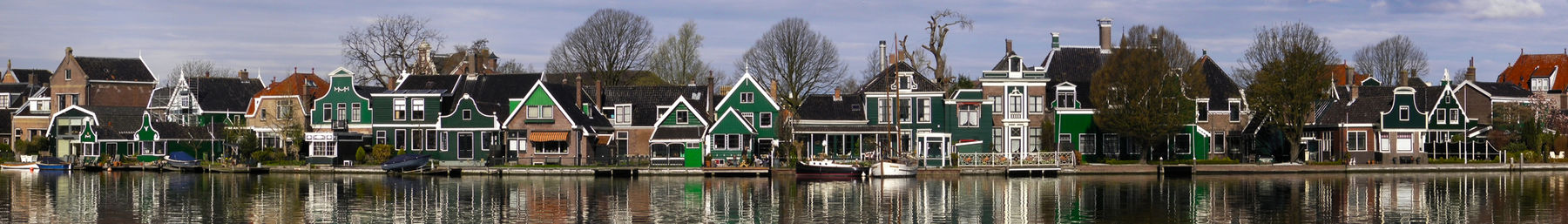 Houses along the waterfront in Zaandijk