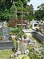 Zabytkowe groby na cmentarzu w Jazgarzewie 8.jpg