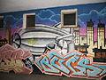 Zeppelin-Graffiti beim Eckener Haus, am Eckhaus zur Neuen Straße (Flensburg 2013), Bild 06.JPG
