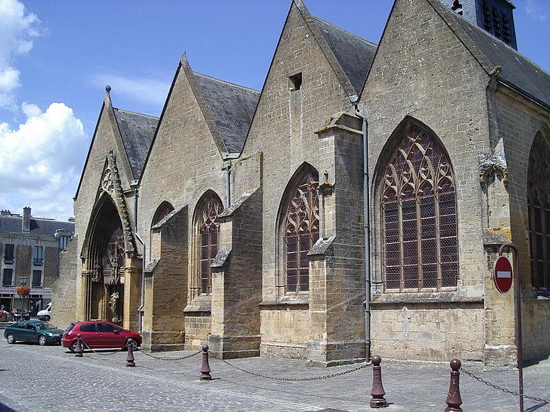 File:Église Sainte-Onésime de Donchery 3.JPG