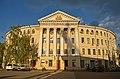 Будинок з крамницями, в якому у 1941р. містився штаб Дніпровської військової флотилії.jpg