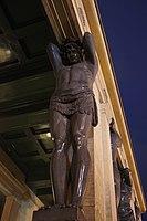 Статуя, Новый Эрмитаж, Санкт-Петербург.jpg