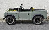 -Land Rover Defender station wagon