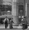 1904 SummerSt Boston by DetroitPublishingCo detail 3.jpg