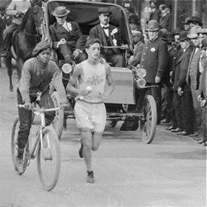 Chicago Marathon - First Chicago Marathon September 23, 1905. Louis Marks in the lead.