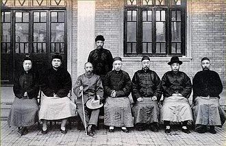 """Beijing Coup - On November 17, 1924, Zhang Zuolin invited Feng Yuxiang to talk at the home of Tianjin Ruili. He decided to hold the section as """"temporary ruling"""" and went to Beijing to preside over government affairs."""