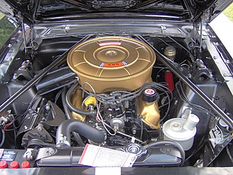 Ford Windsor engine - A 289 Windsor V8 in a 1965 Ford Mustang