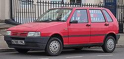 1992 Fiat Uno IE 1.0 Front.jpg