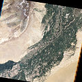 2010 Pakistan flood Khewali by Landsat-5 2010-08-09 big.jpg