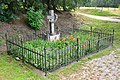 2017-07-17 GuentherZ Wien11 Zehngrafweg Soldatenfriedhof Cholerakreuz (5).jpg