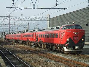 Aizu Liner - Image: 485 Rapid Aizu Liner at Aizuwakamatsu Station in Spiring