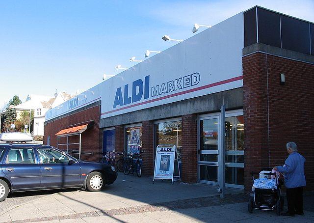 Немецкая сеть супермаркетов Aldi не может противостоять конкурентам на рынке Дании