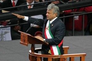 Andrés Manuel López Obrador - Image: AMLO Presidencia legitima