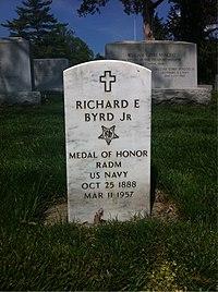 ANCExplorer Richard E. Byrd grave.jpg