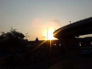 Kathipara Junction - Image: A part of Kathipara's Cloverleaf grade separator as seen early in the morning