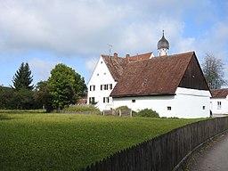 Adelsried Kirchgasse Nr 4 Pfarrhaus m Pfarrstadel u Kirche v SO