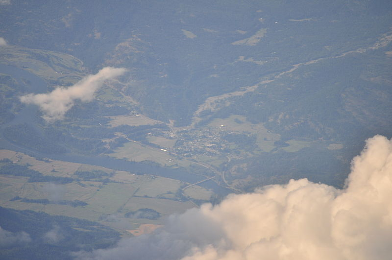 File:Aerial - Clark Fork, Idaho 02 (9968244013).jpg