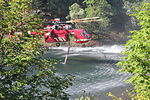 Air attack on southern Oregon wildfire -- 2015 (20297448766).jpg