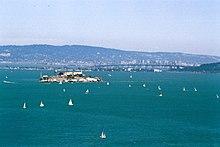 Alcatraz island sailing.jpg