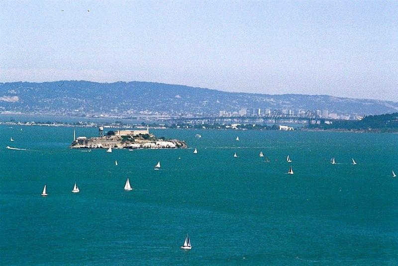 File:Alcatraz island sailing.jpg