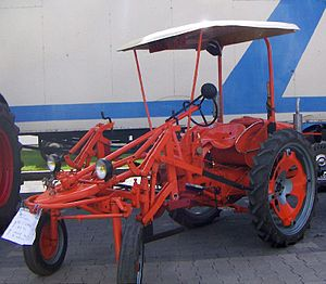 Allis-Chalmers Model G - Allis-Chalmers Model GRV, an orchard/vineyard variant of the Model G built in France, 1958.