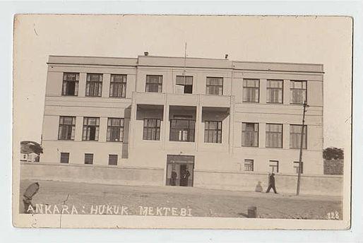 1929-1941 yılları arasında Ankara Hukuk Fakültesi olarak kullanılan bina.